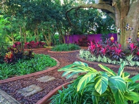 Wonderful Tropical Landscaping Ideas For Garden03