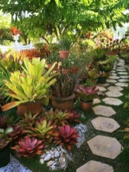 Wonderful Tropical Landscaping Ideas For Garden12