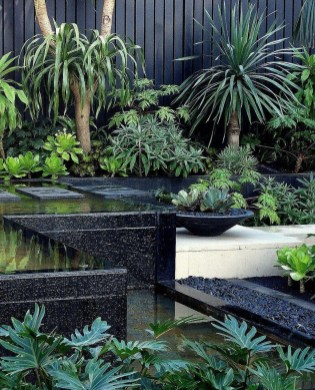 Wonderful Tropical Landscaping Ideas For Garden27