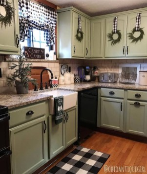 Pretty Farmhouse Kitchen Design Ideas To Get Traditional Accent04