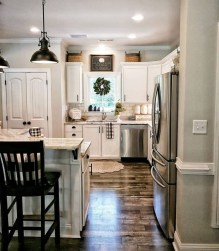 Pretty Farmhouse Kitchen Design Ideas To Get Traditional Accent12