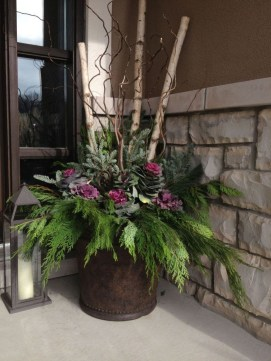 Adorable Porch Planter Ideas That Will Give A Unique Look28