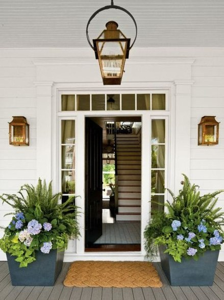 Adorable Porch Planter Ideas That Will Give A Unique Look32