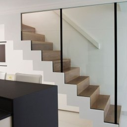Beautiful Color Ideas For Your Stairs Decoration05