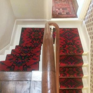 Beautiful Color Ideas For Your Stairs Decoration33