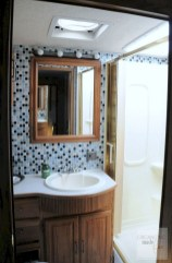 Fascinating Rv Remodel Ideas For Bathroom On A Budget09
