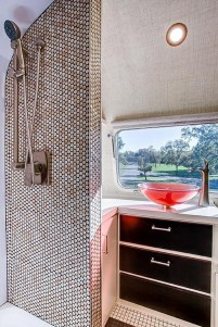 Fascinating Rv Remodel Ideas For Bathroom On A Budget20