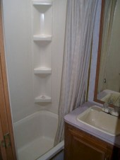 Fascinating Rv Remodel Ideas For Bathroom On A Budget29