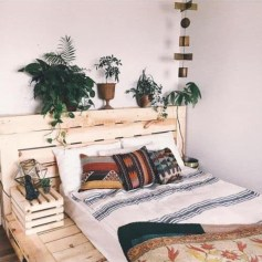 Unordinary Recycled Pallet Bed Frame Ideas To Make It Yourself08