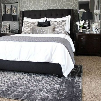 Awesome Bedroom Rug Ideas To Try Asap31
