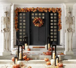 Awesome Scary Halloween Porch Ideas To Try Today34