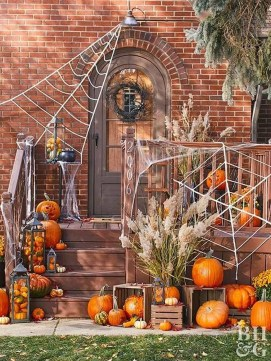 Awesome Scary Halloween Porch Ideas To Try Today36