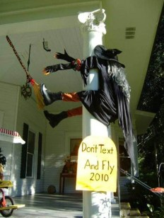 Casual Halloween Decorations Ideas That Are So Scary09
