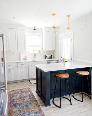 Incredible Black And White Kitchen Ideas To Try31