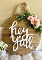 Pretty Wreath Decor Ideas To Hang On Your Door02