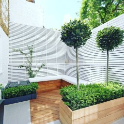 Chic Small Courtyard Garden Design Ideas For You15