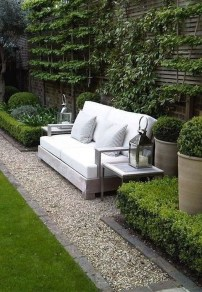 Chic Small Courtyard Garden Design Ideas For You17
