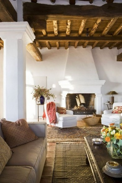 Extraordinary Mediterranean Farmhouse Design For You39
