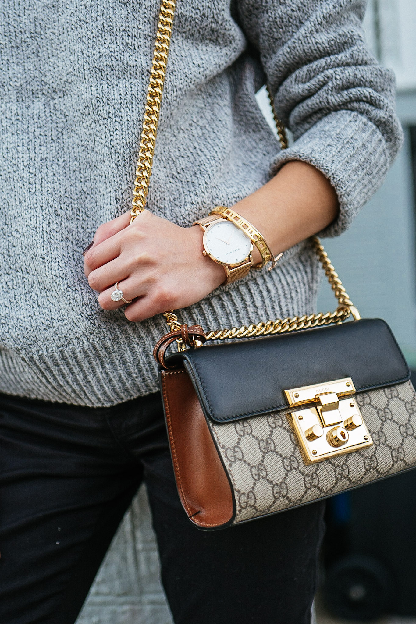 A SWEATER THAT FITS JUST RIGHT – TREND ENVY