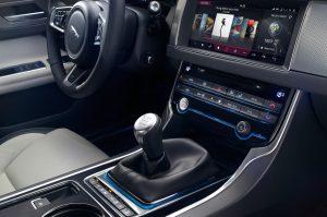 2016-jaguar-xf-r-sport-interior