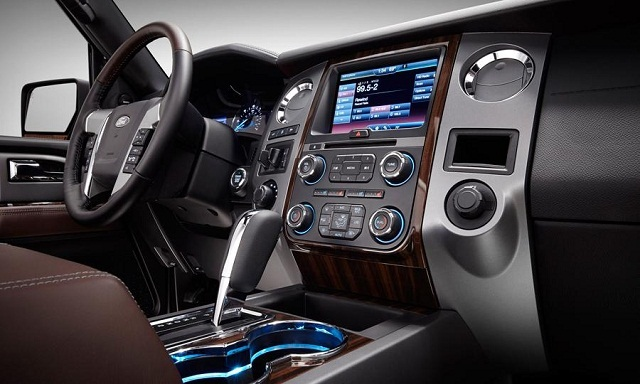 2017-toyota-sequoia-interior