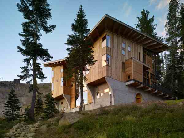 Amazing Modern Vacation Home House Design