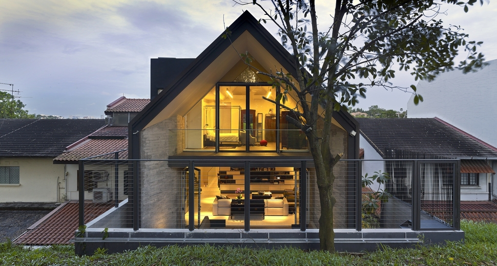 Gabled Roof Jazzes Up Minimalist Y
