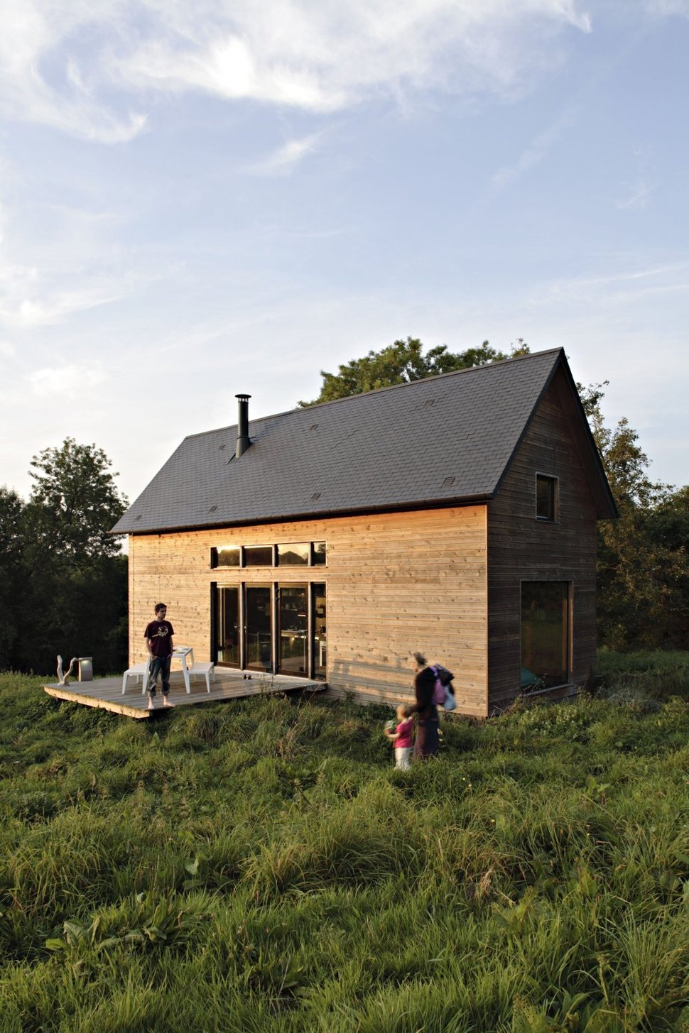 Barn Style Weekend Cabin Embraces the Simple Life  Modern House Designs