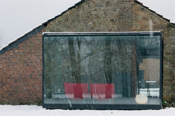 https://i0.wp.com/www.trendir.com/house-design/glass-and-brick-houses-belgium-1.jpg