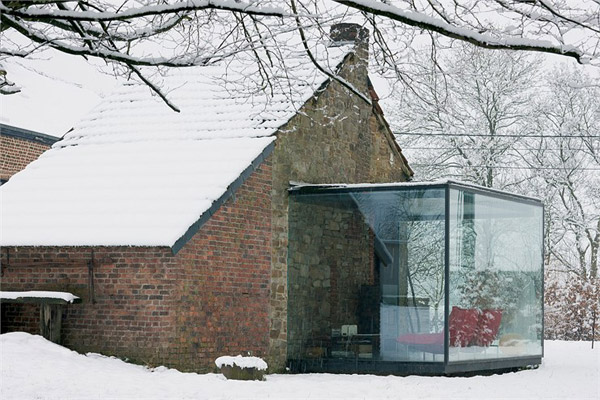 https://i0.wp.com/www.trendir.com/house-design/glass-and-brick-houses-belgium-2.jpg