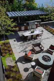 Grand Glass Lake House With Bold Steel Frame Modern