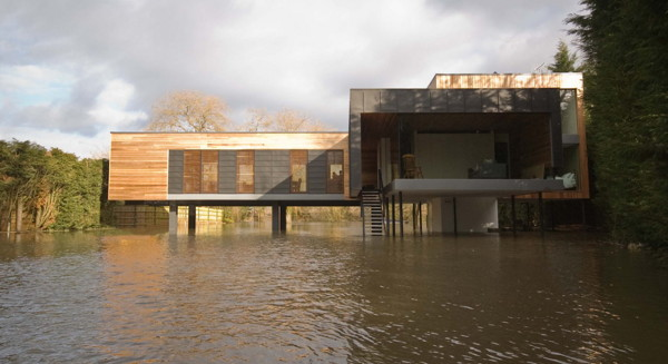 Hind House on River Loddon