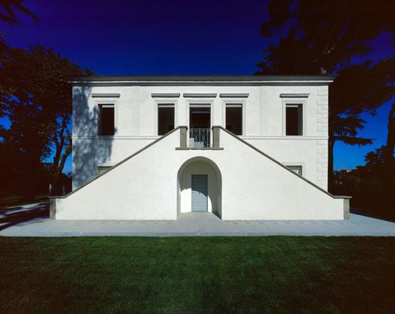 Modern Italian Villa Design Blends Old and New  Modern House Designs