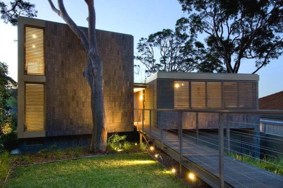 Balmoral House by Ian Moore Architects Brings Nature