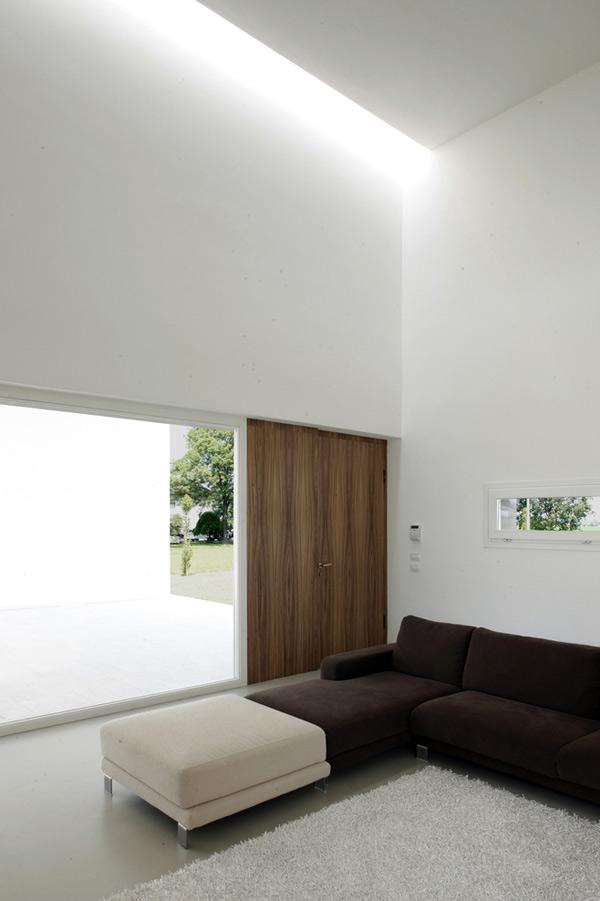 italian-home-architecture-minimalist-house-5.jpg