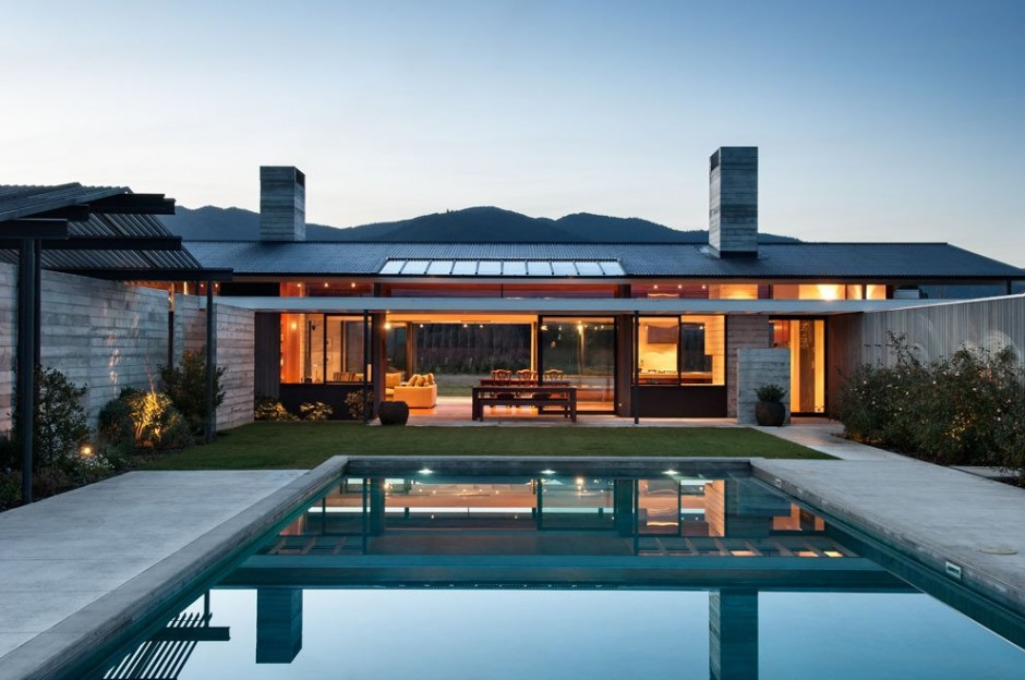 Modern ranch style home with landloving layout and