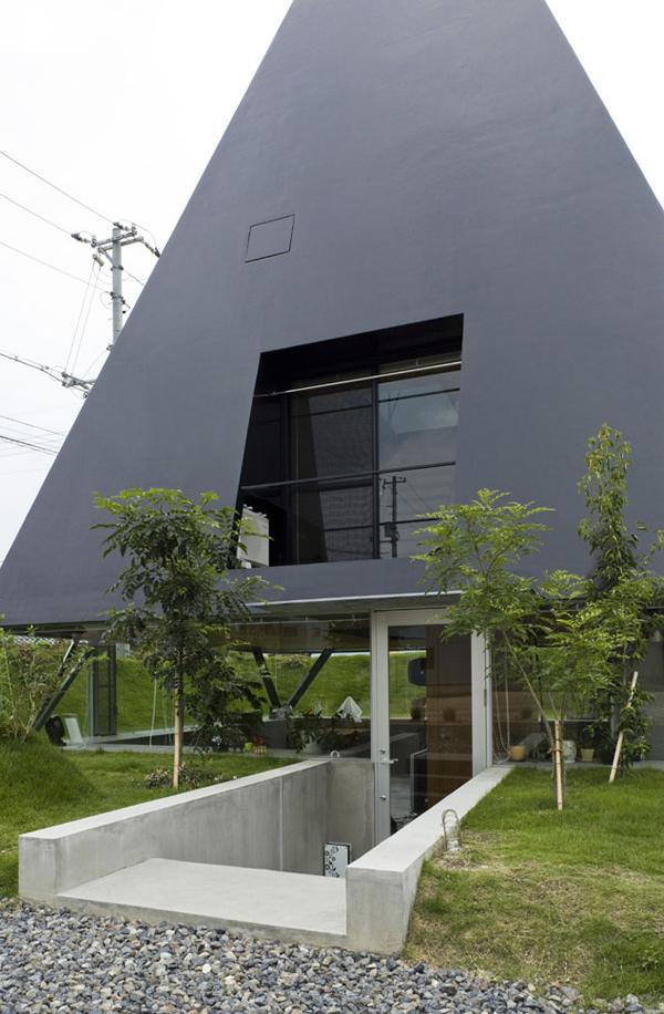 Japanese Architecture Style Pyramid Shaped House