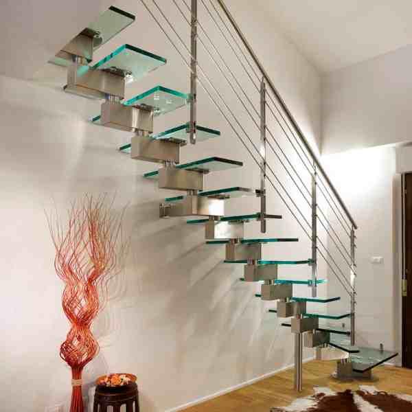 Modern Glass Staircase Design