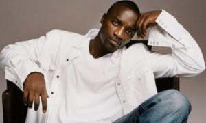 E! News: Africa Is Better Than America – Akon