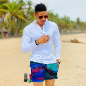 """""""Hustle, so they won't use snail to carry your wife"""" – Man accuses BBNaija's Elozonam of sleeping with his fiancé (Full gist inside)"""
