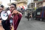 Police arrest comedian, Mr Macaroni at Lekki tollgate