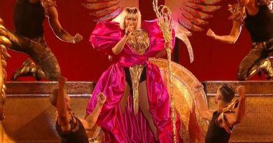Nicki Minaj Barbie Dreams Lyrics
