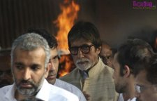 Amitabh Bachchan at the funeral.