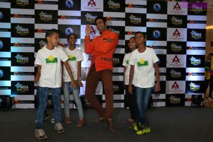 sandip soparrkar performing with smile foundation