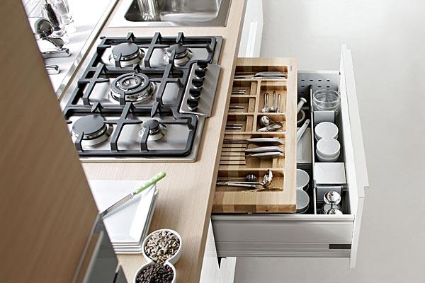 Vendita cappe da cucina mensole luminose fornellirubinetti e tavole Trendy Casa arredamenti