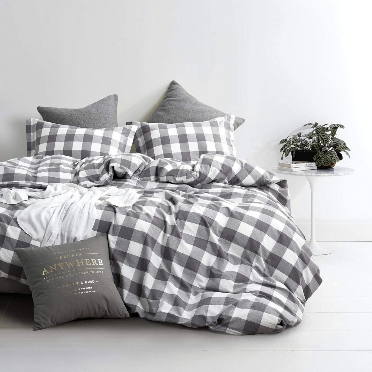 Buffalo Check: Black & White Year-Round Home Decor Ideas
