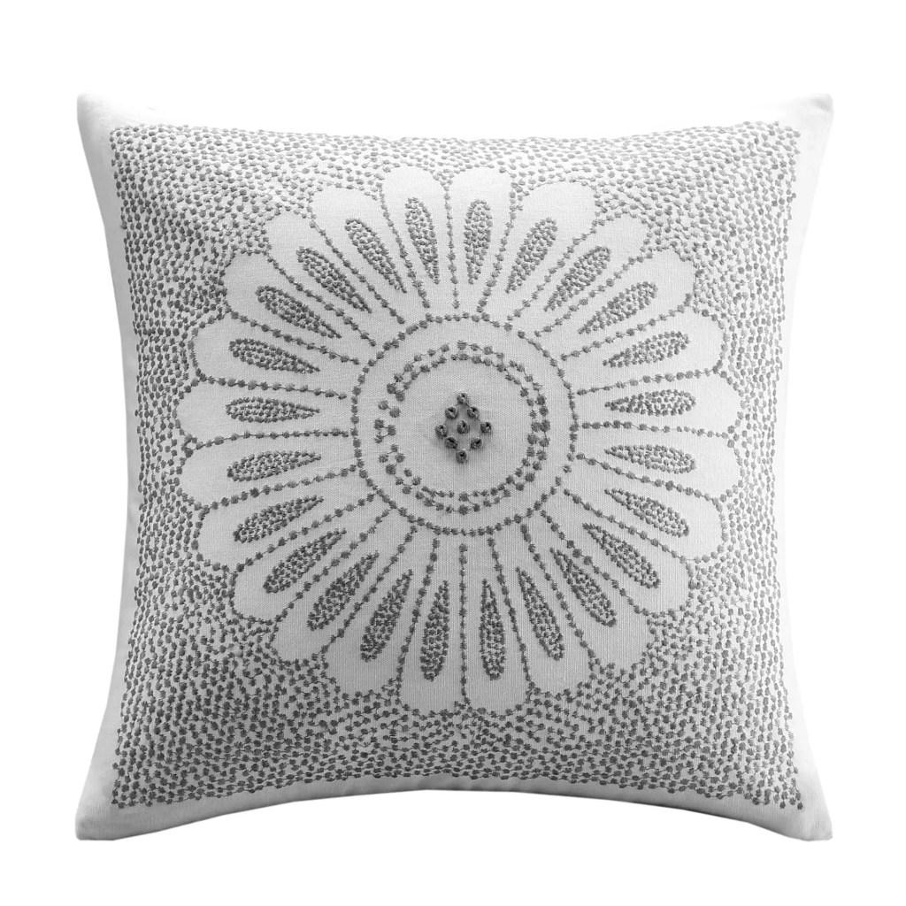 Cute Winter Pillows for a Farmhouse Look