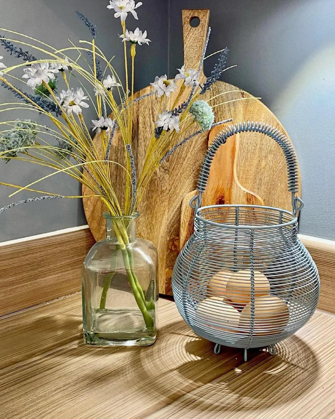 wire-basket-kitchen-decor