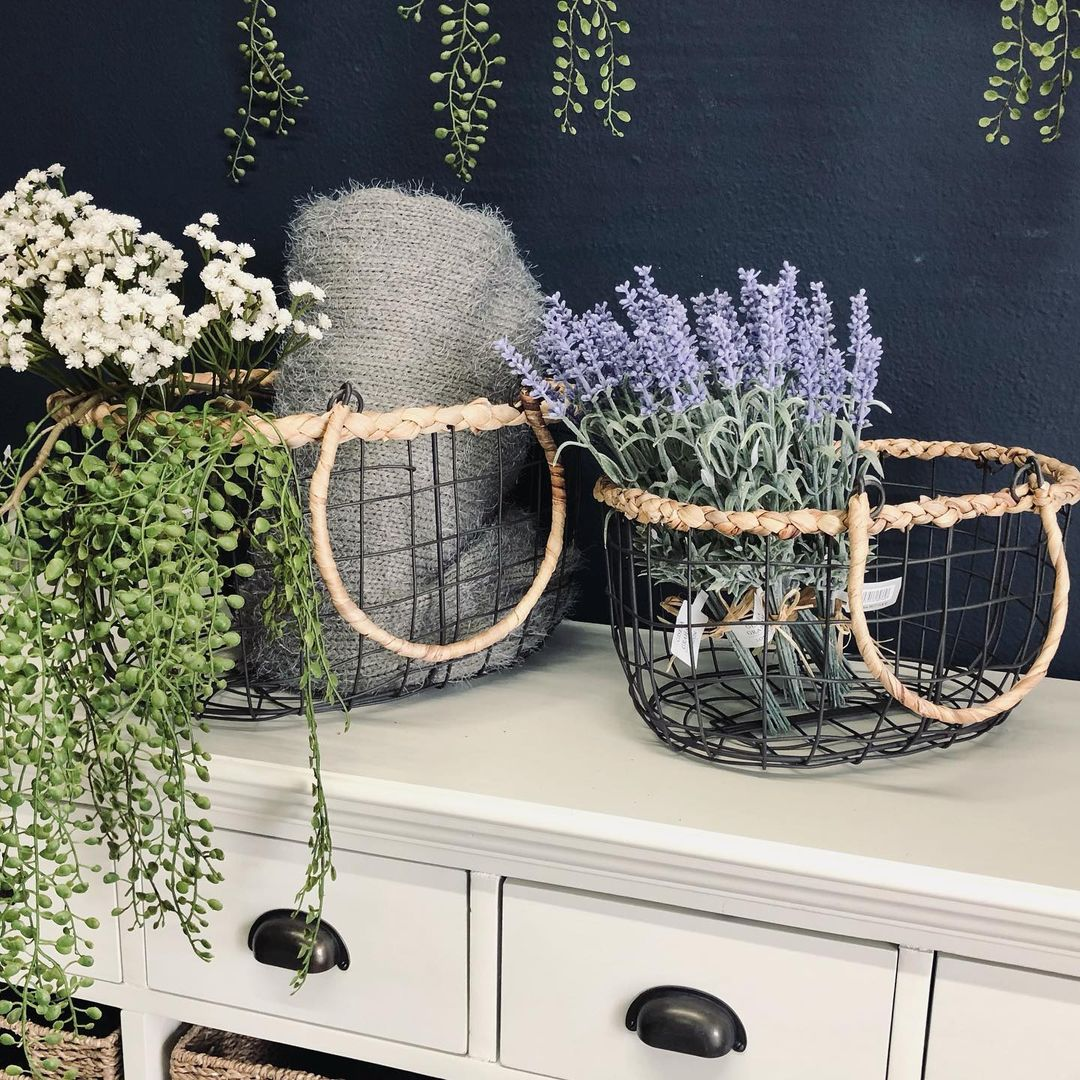 wire-basket-table-styling