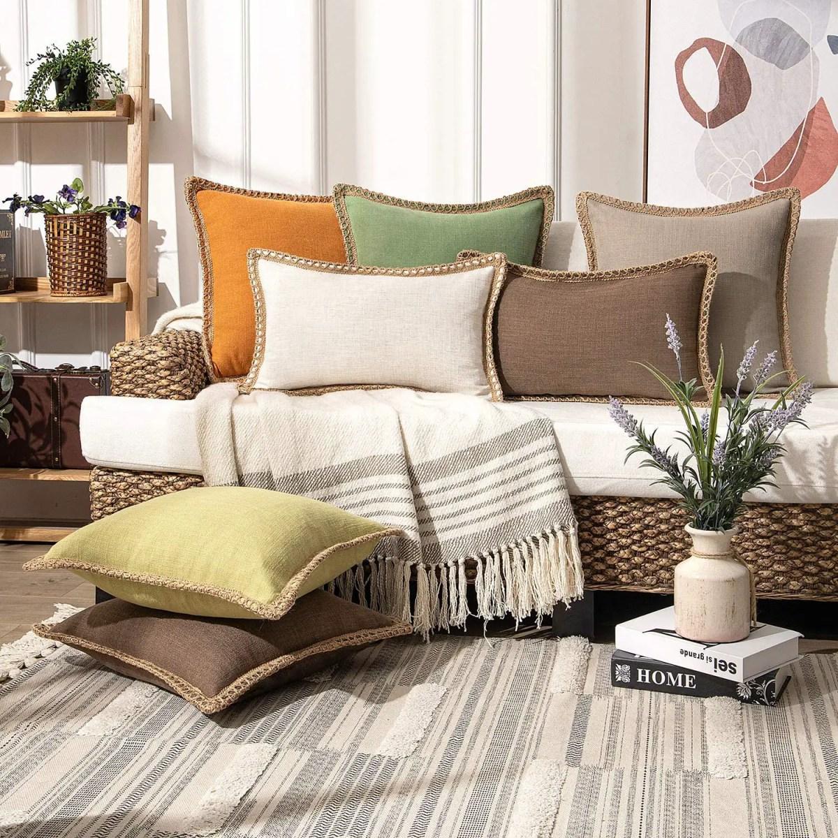 Burlap-Trimmed-Farmhouse-Pillowcases